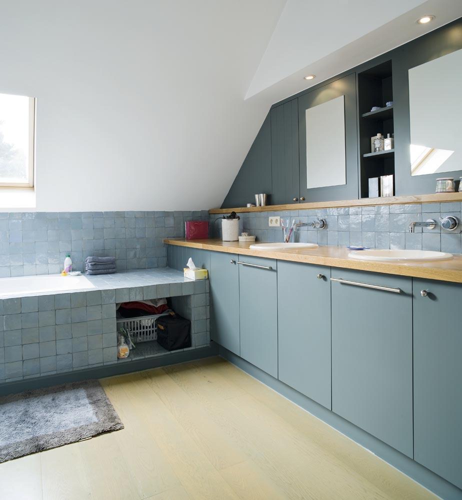 badkamer slaapkamer en tv meubel in houthalen
